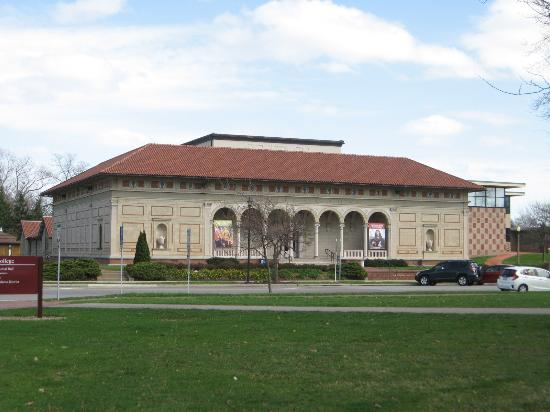 Allen Memorial Art Museum: Another view from the park