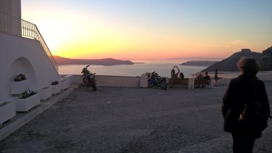 Santorini Youth Hostel