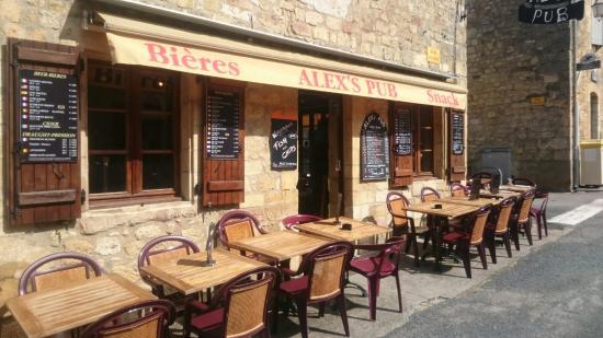 Alex's Pub