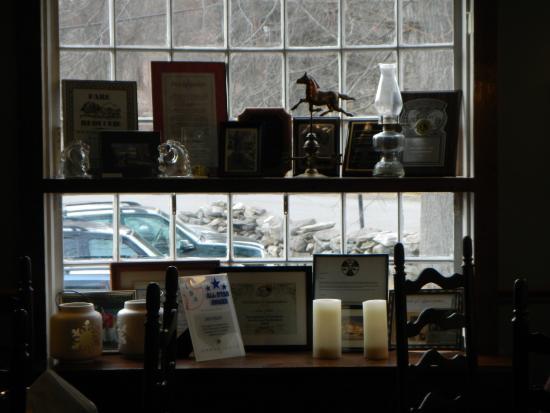 Horse and Hound Inn: Interior