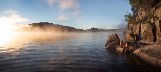 Solitaire Lodge: natural geothermal pools