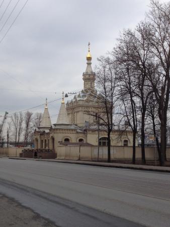 Храм на берегу Невы