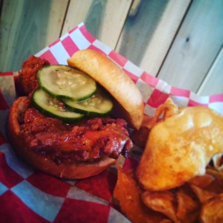 Engine House Deli + Pub: Nashville Hot Chicken special