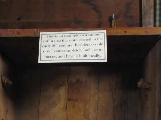 Valle Crucis, Carolina del Nord: Need a coffin?