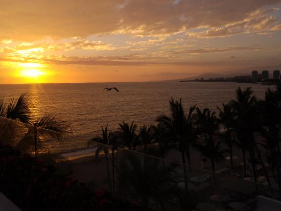 Hilton Puerto Vallarta Resort: Atardecer desde O'west Lounge
