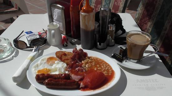 Chesters Cafe: Full English and Coffee!