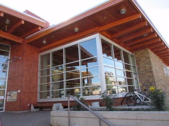 Salt Spring Public Library