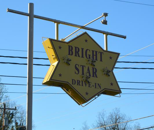 Mount Holly, Kuzey Carolina: Electric Sign out Front