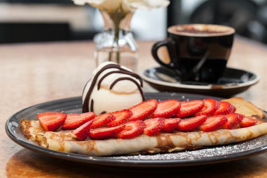 Twenty One: Nutella Pancakes with Ice Cream