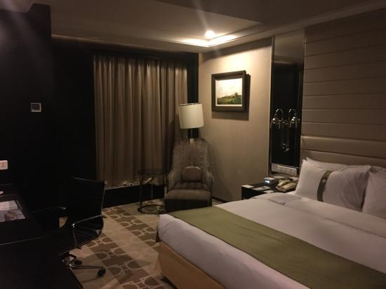 decent rooms bild von holiday inn beijing focus square peking rh tripadvisor de