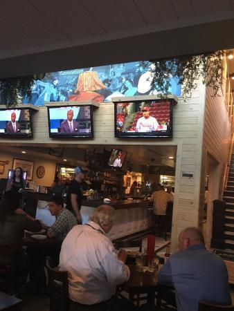 Gracie's Bar: photo0.jpg