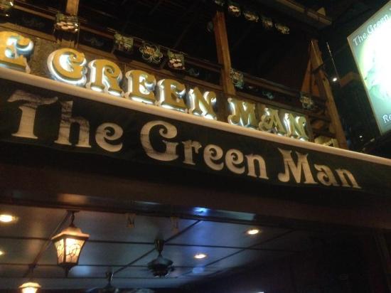 The Green Man Pub & Restaurant: Facade