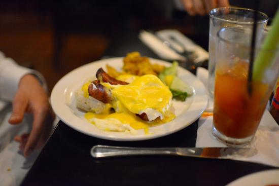Bistro at the Bijou: Bangers and eggs, bloody mary
