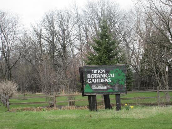 Triton College Botanical Gardens: sign