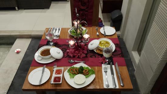 candle light dinner setup - picture of daluman villas, seminyak