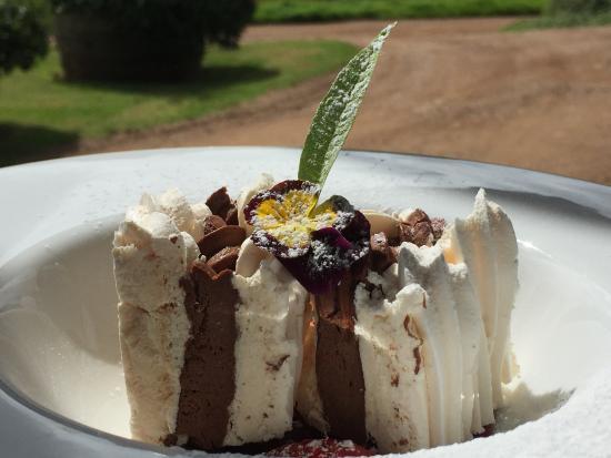 Waiheke Island, New Zealand: Their delicious desserts!