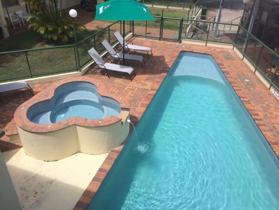 D'Arcy Arms Motel: Motel Pool