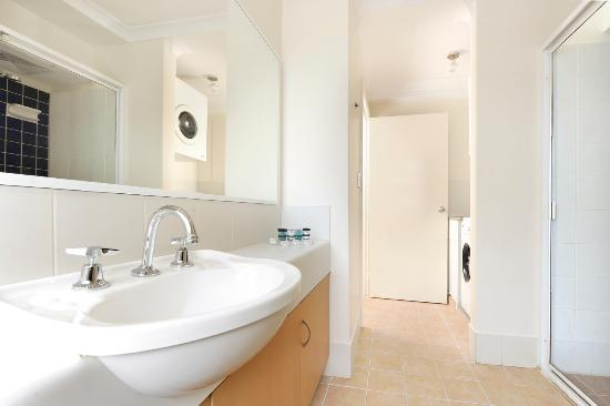 Assured Waterside Apartments: Two Bedroom Family - Bathroom