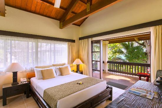 Port Warwick Hotel Room