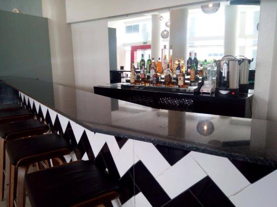 The Contemporary Hotel: Bar area
