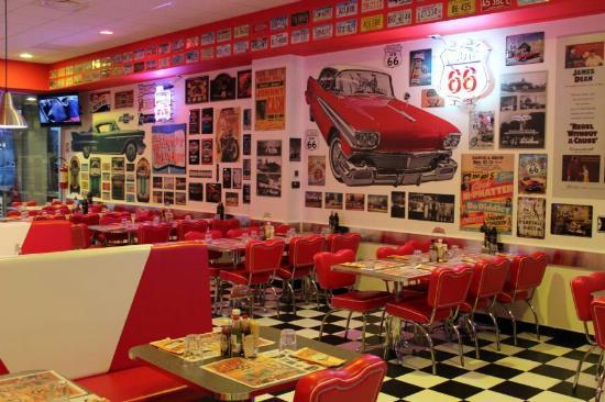 Stile anni 39 50 americano foto di america graffiti diner for Arredamento americano anni 50