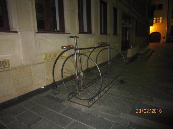 BikeBratislava: Велопарковка