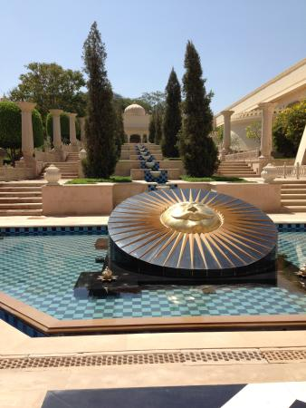 The Oberoi Udaivilas: fontaines