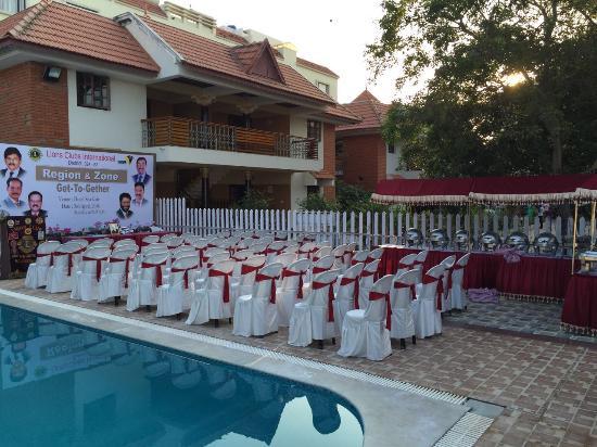 Seagate hotel velankanni tamil nadu hotel reviews photos rate comparison tripadvisor for Hotels in velankanni with swimming pool