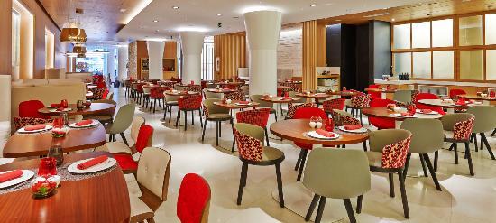 NH Collection Barcelona Gran Hotel Calderón: Breakfast