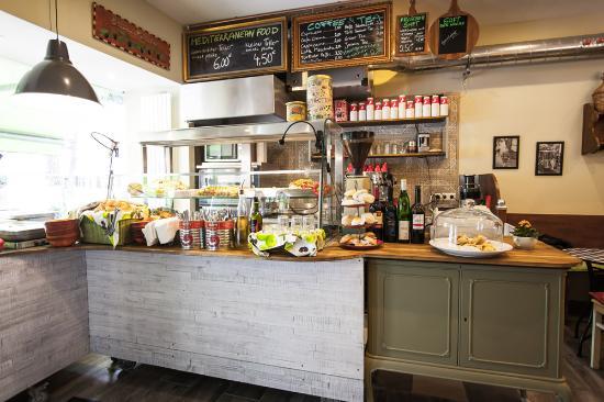 Salut Mediterranean Food: Salut Interior