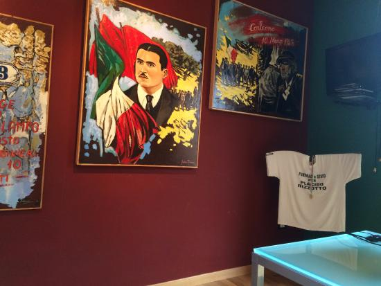 Corleone, Italy: Tele di G. Porcasi, Placido Rizzotto sindacalista assassinato nel 1948