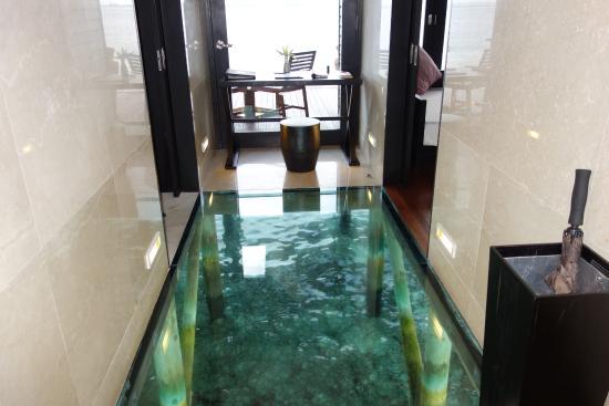 sol en verre picture of lily beach resort spa. Black Bedroom Furniture Sets. Home Design Ideas