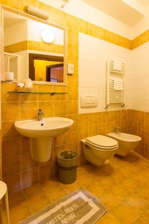 Hotel Berti: bagno