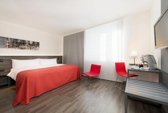 Hotel Berlin Mitte managed by Melia: Premium Guestroom