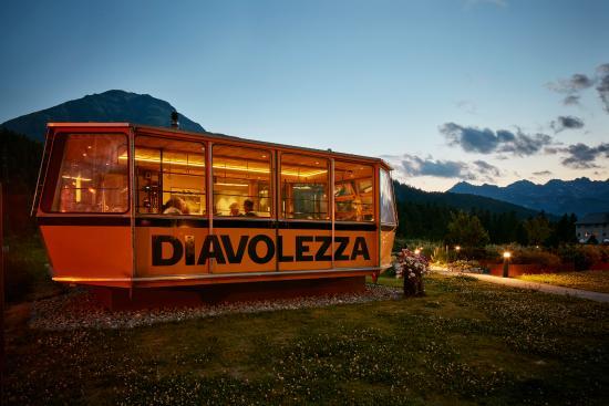 Hotel Steinbock: Gondolezza in der Abenddämmerung