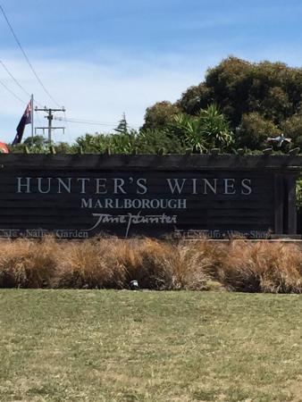Hunter's Garden Cafe: Hunter's Wines