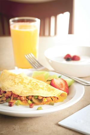 Country Inn and Suites Harrisburg West: Breakfast Omelet