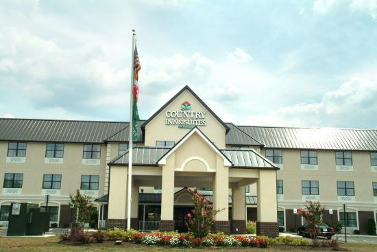 Photo of Country Inn & Suites Salisbury