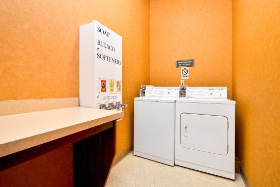 Comfort Suites Redmond Airport: Laundry