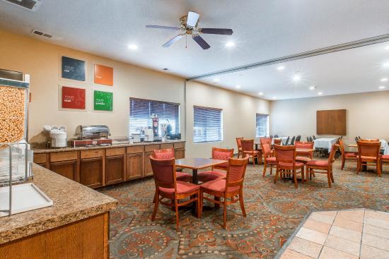 comfort suites updated 2017 prices hotel reviews. Black Bedroom Furniture Sets. Home Design Ideas