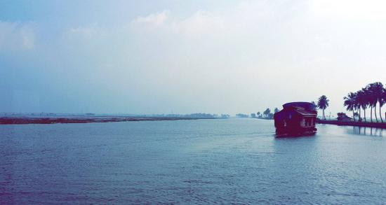 Trium Resorts & Trium Houseboat
