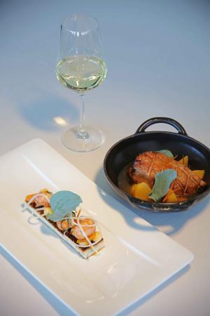 Restaurant Les Hauts de Lille - Le Canard - Escalope de foie gras poêlée puis pochée au bouil
