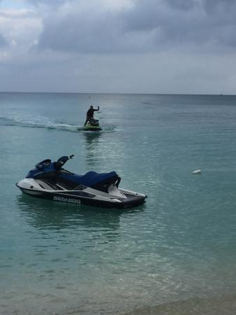 George Town, Grand Cayman: seven mile beach on jetskis