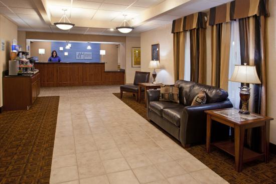 Tiffin, OH: Hotel Lobby