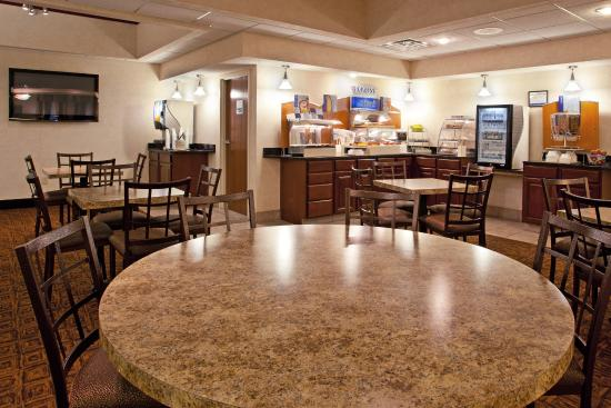 Tiffin, OH: Breakfast Bar