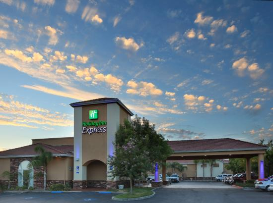 Photo of Holiday Inn Express Oakdale