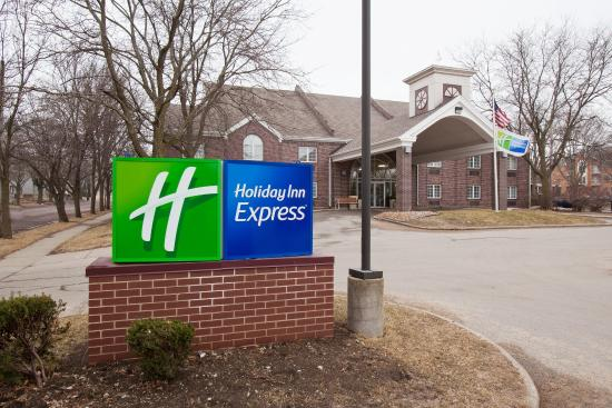 Holiday Inn Express Des Moines/Drake University: Hotel Exterior