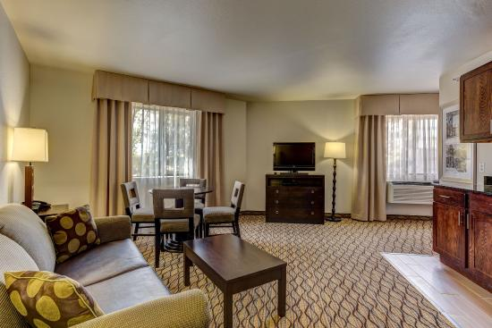 Montrose, CO: Two Room Suite