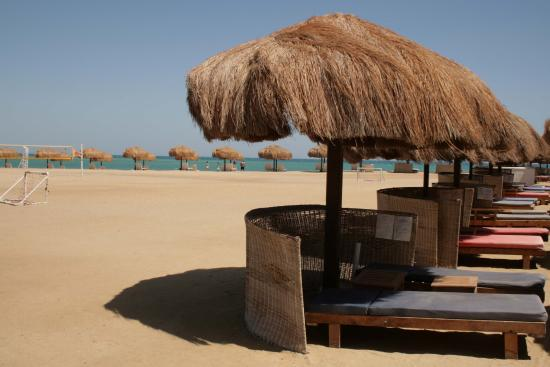 The Captain's Inn: Der Strand ist ca. 4 Min. Fußweg vom Hotel weg am Moods.