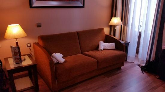 Suites Gran Via 44: IMG_20160405_162950_large.jpg
